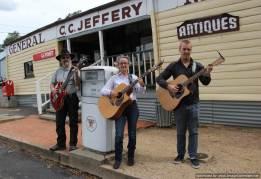 Bushband guitarists