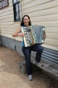 Liz on accordion 2